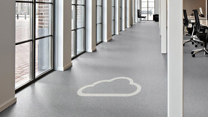 Luminous flooring di Philips Lighting si collega al tuo sistema di gestione degli edifici su cloud